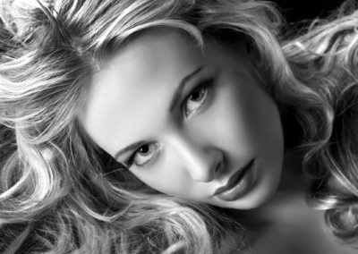 Hair Beauty hjälper dig med hår och ögonbryn.